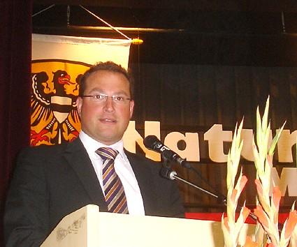 Kreisbeigeordneter André Kavai vertrat mit einem Grußwort den Main-Kinzig-Kreis; Foto: NABU/S.Winkel