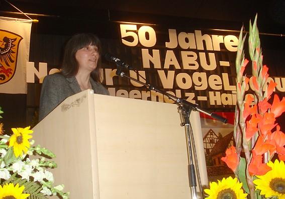 Sibylle Winkel gratulierte im Namen des NABU-Kreisverbandes; Foto: NABU/S.Winkel